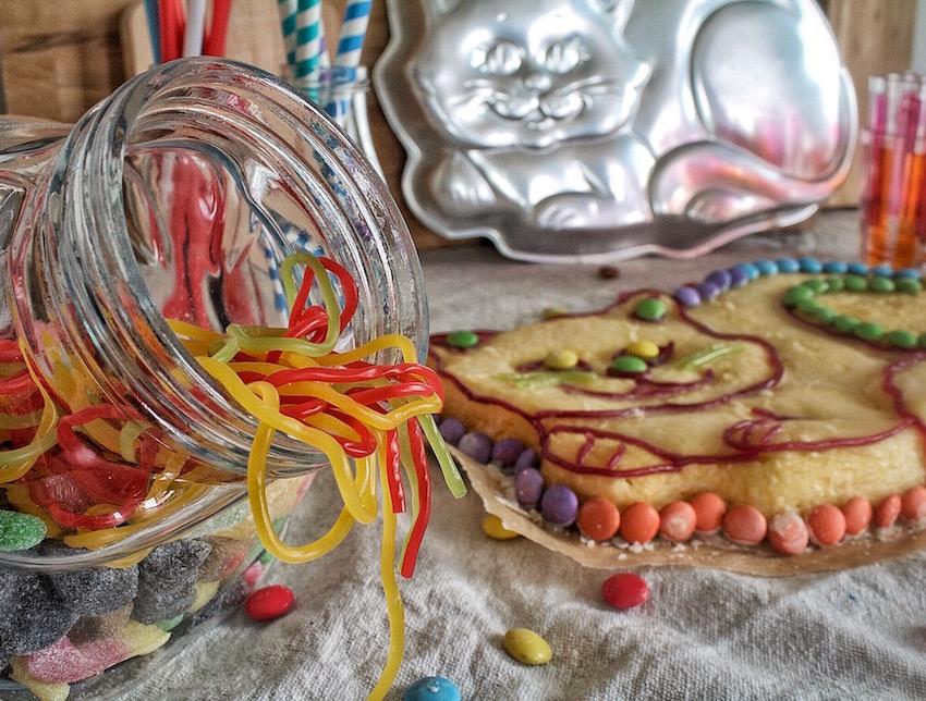 Saftiger Zitronenkuchen in Katzenform - Kindergeburtstag - Ein Häppchen Liebe - Blog-Geburtstag